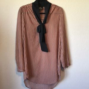 GUC tunic top with large bow size med shear